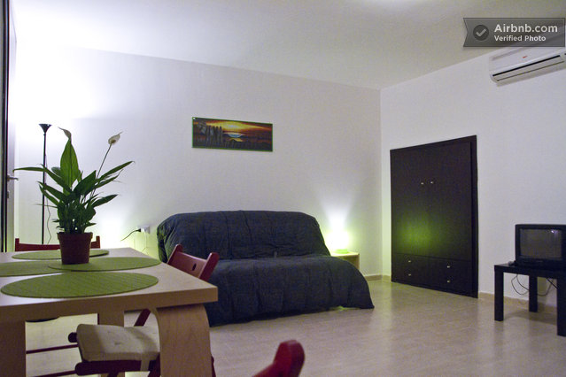 Naples airbnb review stay in the naples on a budget for Airbnb napoli